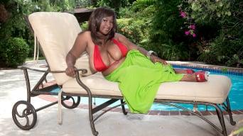 Marie Leone in 'Bikini Buster'