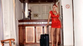 Melissa Mandlikova in 'The busty bellhop at Hooter Hotel'