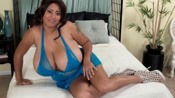 Roxi Red in 'Hot Time In The Tittie'
