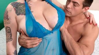 Scarlet LaVey in 'Busty Bedazzler'