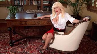 Tori Karsin in 'Executive Sweet'